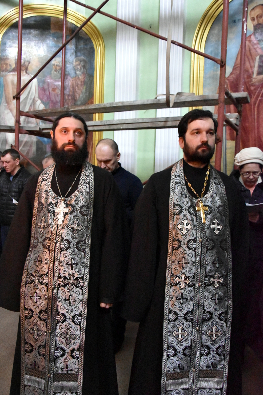 Чтение канона в соборе святых апостолов Петра и Павла