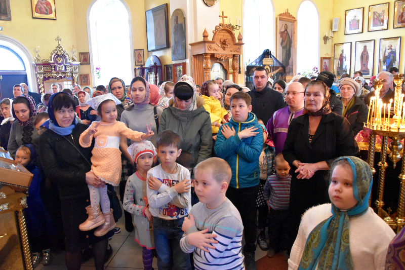 Воскресное богослужение V недели Великого поста в кафедральном соборе