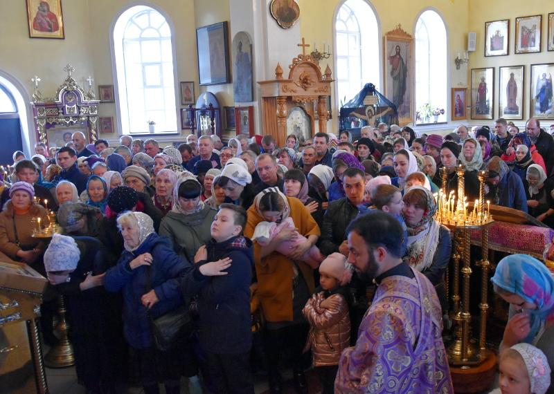 Божественная литургия в Великий Четверг в Кафедральном соборе