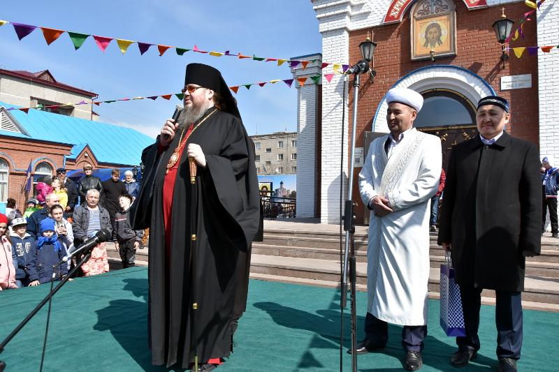 Традиционные пасхальные гуляния состоялись в Петропавловске