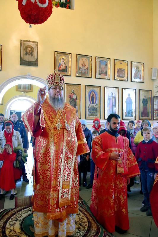 Божественная литургия в первое воскресенье после Пасхи