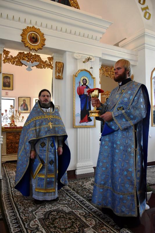 Архиерейская Литургия в праздник Тихвинской иконы Божией Матери