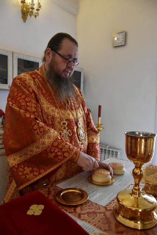 ПЕРВЫЙ ПРЕСТОЛЬНЫЙ ПРАЗДНИК В СЕВАСТИАНО-МАГДАЛИНИНСКОМ ХРАМЕ ПЕТРОПАВЛОВСКА