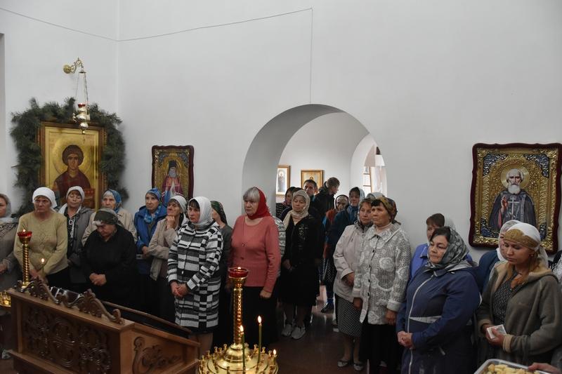 АРХИЕРЕЙСКАЯ ЛИТУРГИЯ В ПАНТЕЛЕИМОНОВСКОМ ХРАМЕ С. КОРНЕЕВКА