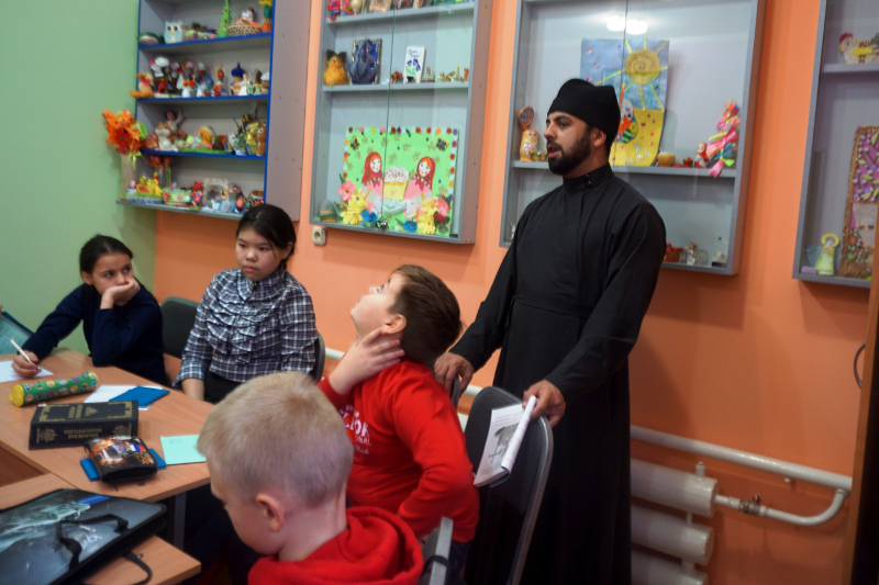 Ученики воскресной школы кафедрального собора приняли участие в очередной интернет-викторине «Библия и медицина»