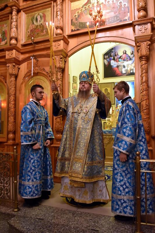 Божественная Литургия в праздник Иконы Божией Матери «Знамение»