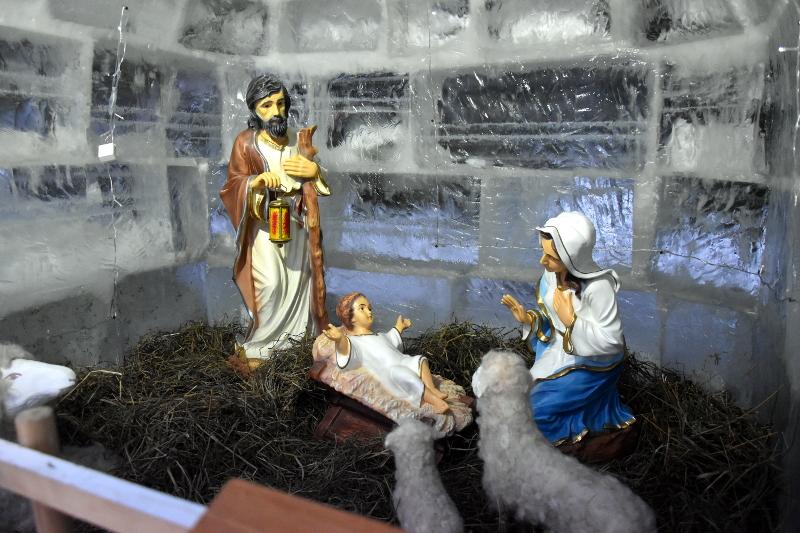 Христос рождается — славите!