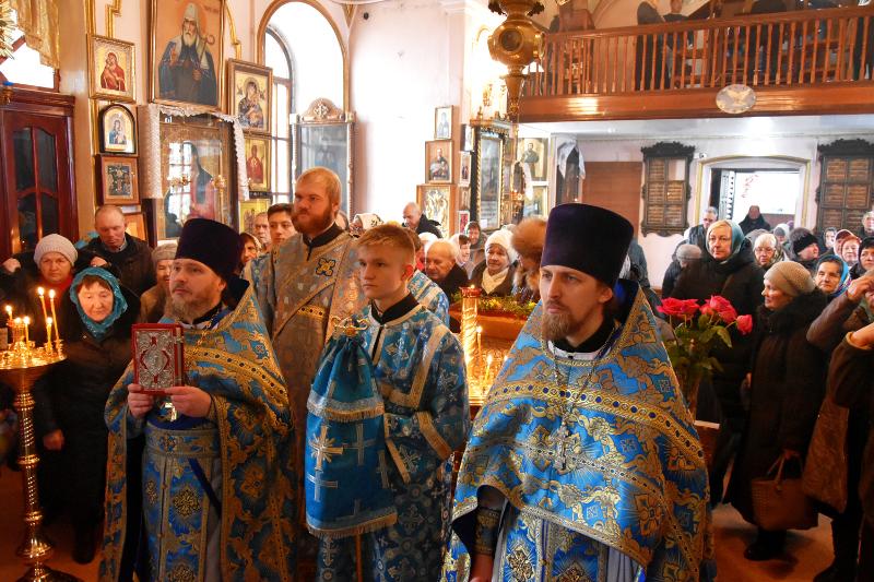 Архиерейская Литургия в праздник Иверской Иконы Божией Матери