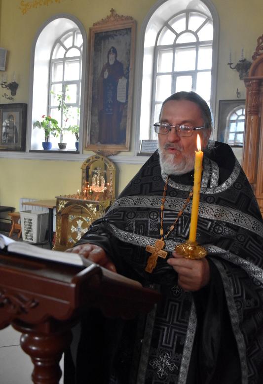 Служба с выносом и погребением Плащаницы