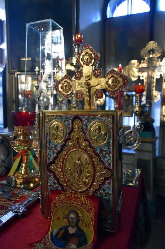Архиерейская Литургия в праздник святого великомученика Георгия Победоносца