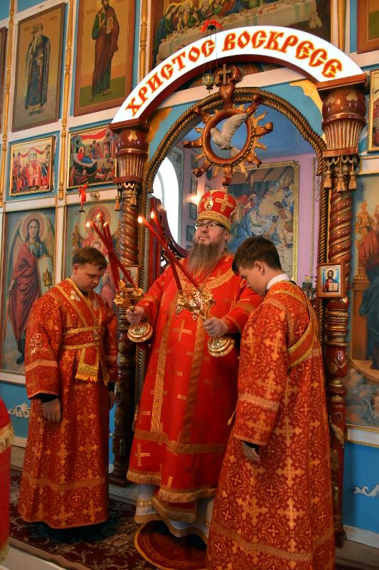Архиерейская Литургия в престольный праздник с. Новоникольское