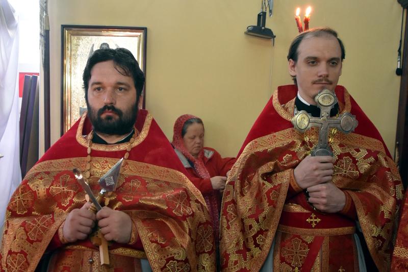 Архиерейская Литургия в день памяти святого апостола Симона Зилота