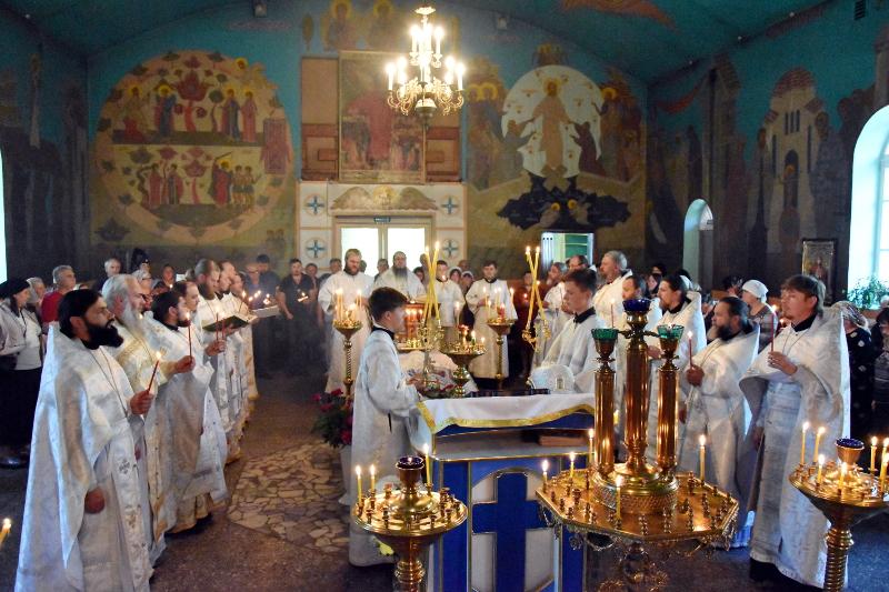 Архиерейская Литургия в субботу 6-й седмицы по Пасхе.