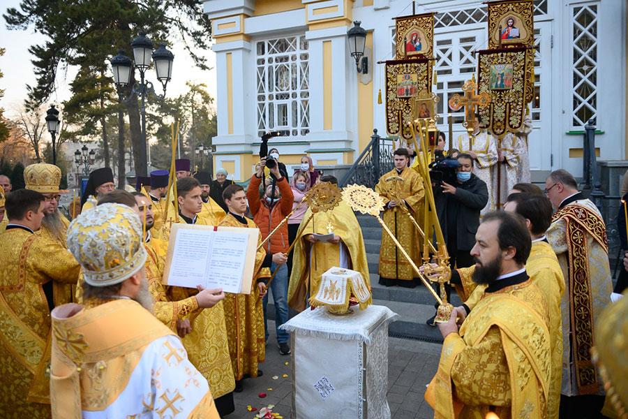 Преосвященнейший епископ Владимир принял участие в великом освящении обновленного Вознесенского кафедрального собора Алма-Аты