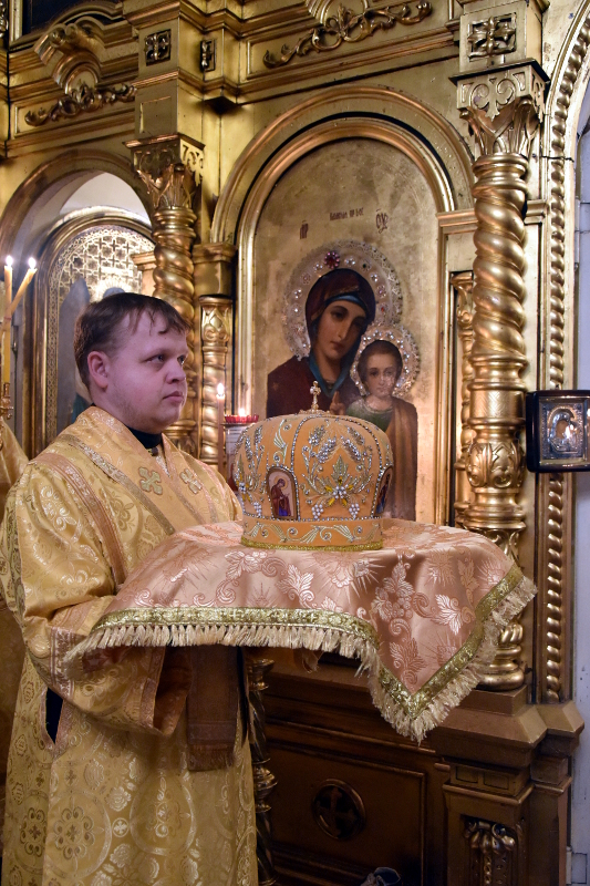 Архиерейская Литургия в день памяти святых бессребреников Космы и Дамиана