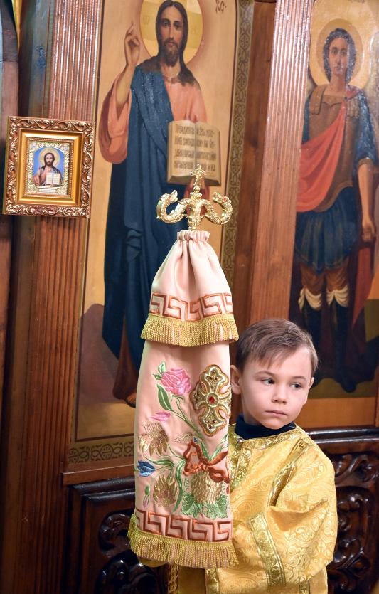 Архиерейская Литургия в праздник святого праведного Иоанна Кронштадтского