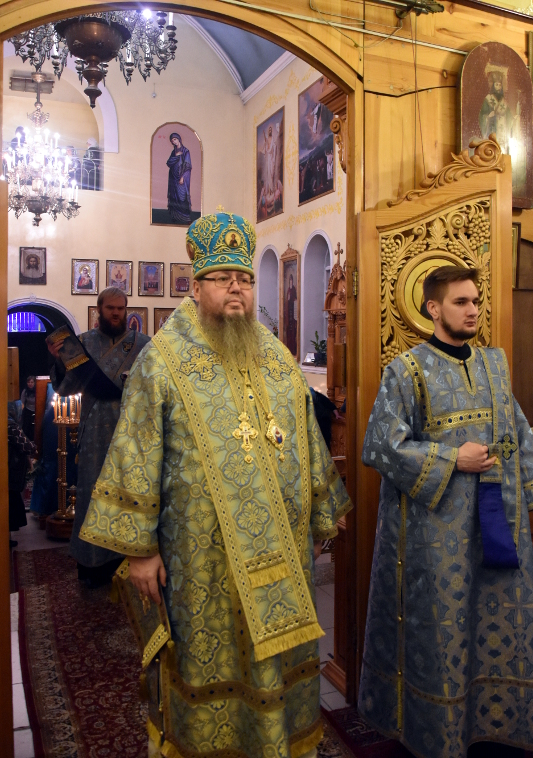 В кафедральном соборе почтили память Иконы Божией Матери «Знамение»