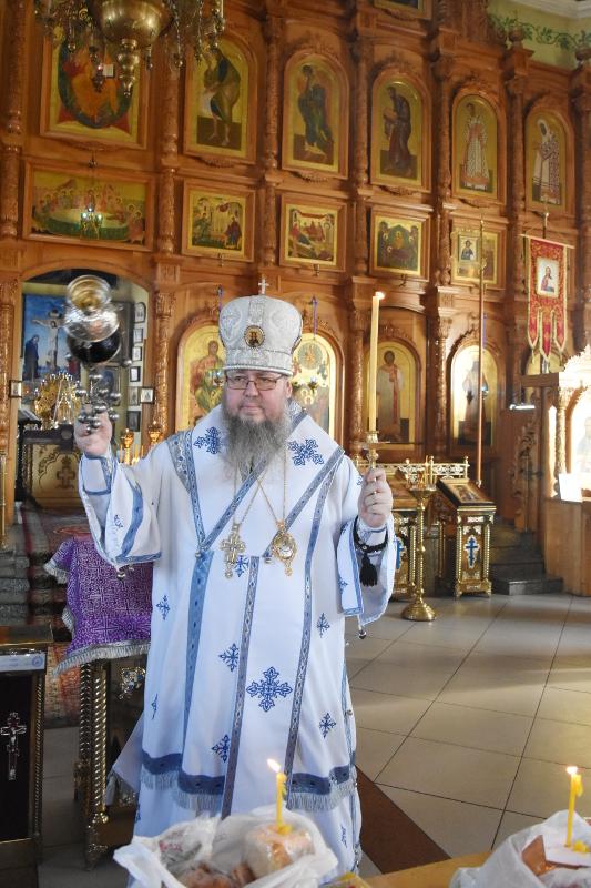 Правящий Архиерей совершил уставное заупокойное богослужение