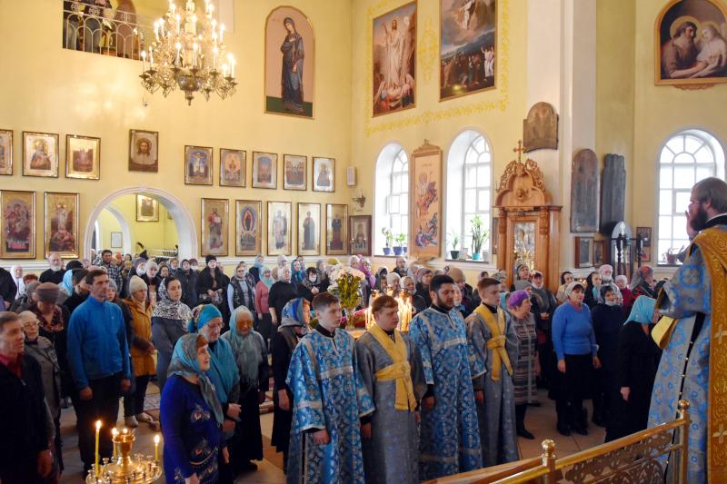 Управляющий епархией совершил Божественную Литургию в праздник Благовещения Пресвятой Богородицы