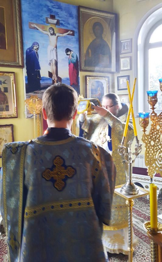 Архиерейская Литургия в праздник Собора Архангела Гавриила