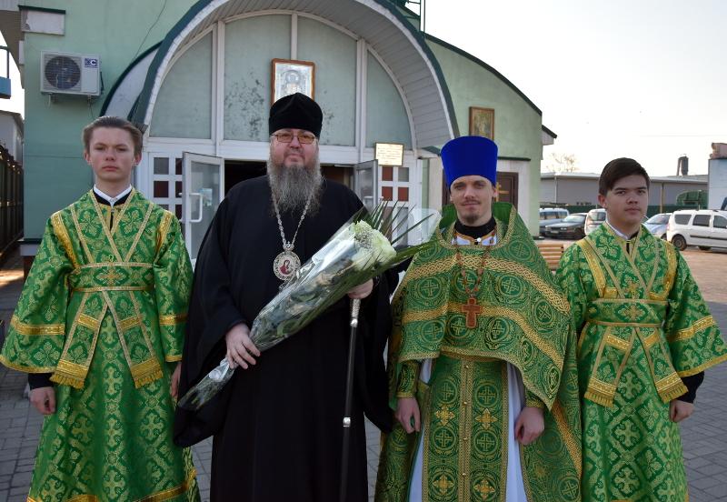 Правящий Архиерей совершил Божественную Литургию в Неделю 5-ю Великого Поста