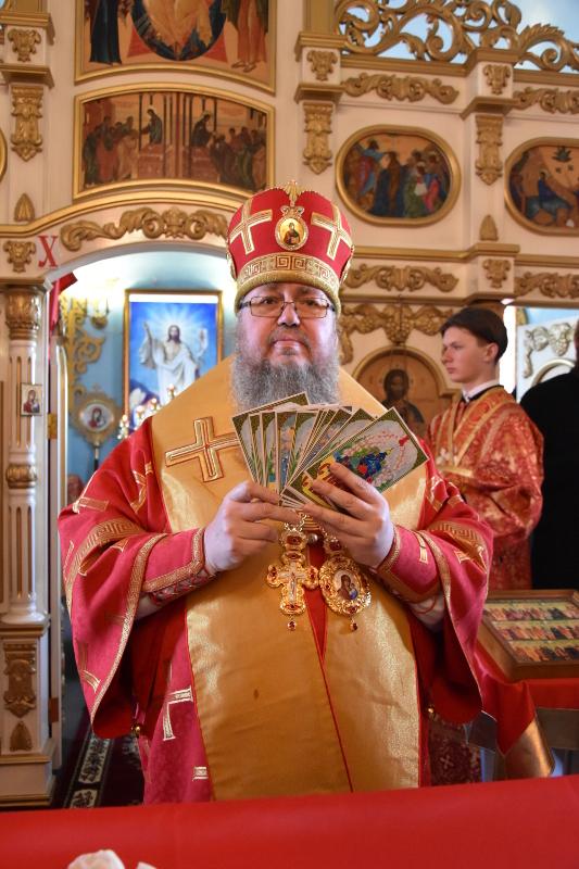 Архиерейские богослужения в Светлый Пяток