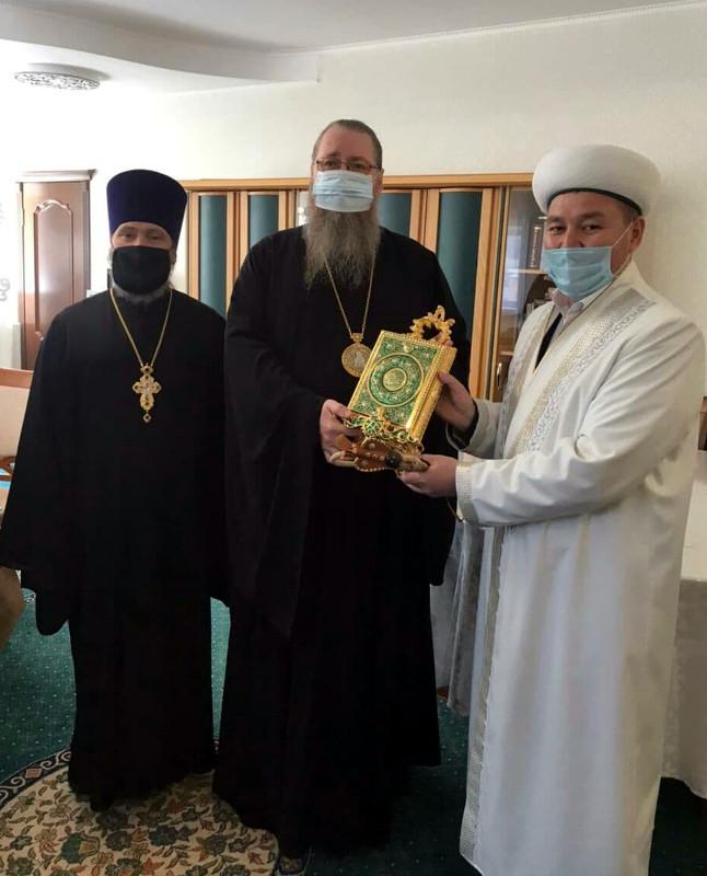 Правящий архиерей поздравил мусульман Северного Казахстана с праздником Ораза айт