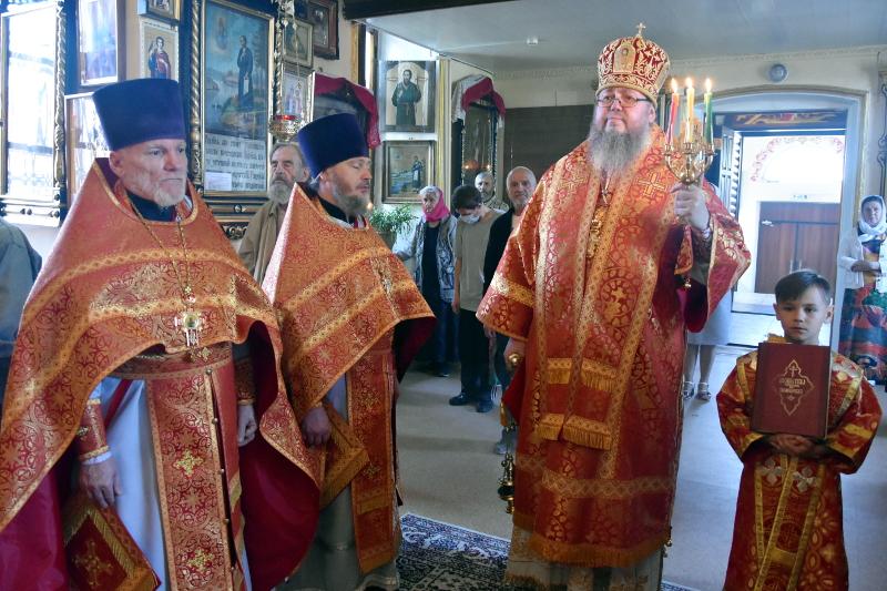 Архиерейская Литургия в день памяти святого апостола и евангелиста Иоанна Богослова
