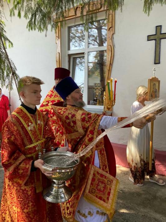 Архиерейская Литургия в 4-ю Неделю по Пасхе