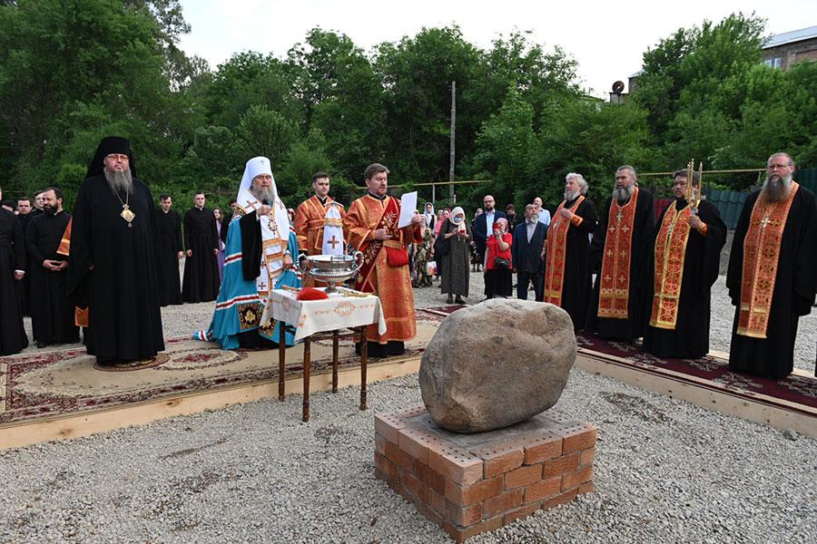 Епископ Петропавловский и Булаевский Владимир принял участие в освящении закладного камня в основание памятника в честь благоверного князя Александра Невского в Алма-Ате