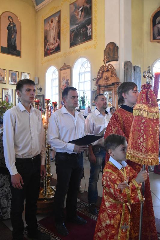 Архиерейская Литургия в Неделю о Самаряныне