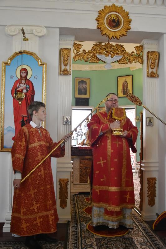 Архиерейская Литургия в праздник Владимирской Иконы Божией Матери