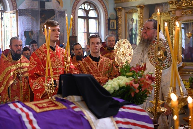 Епископ Петропавловский и Булаевский Владимир принял участие в отпевании архиепископа Чимкентского и Таразского Елевферия