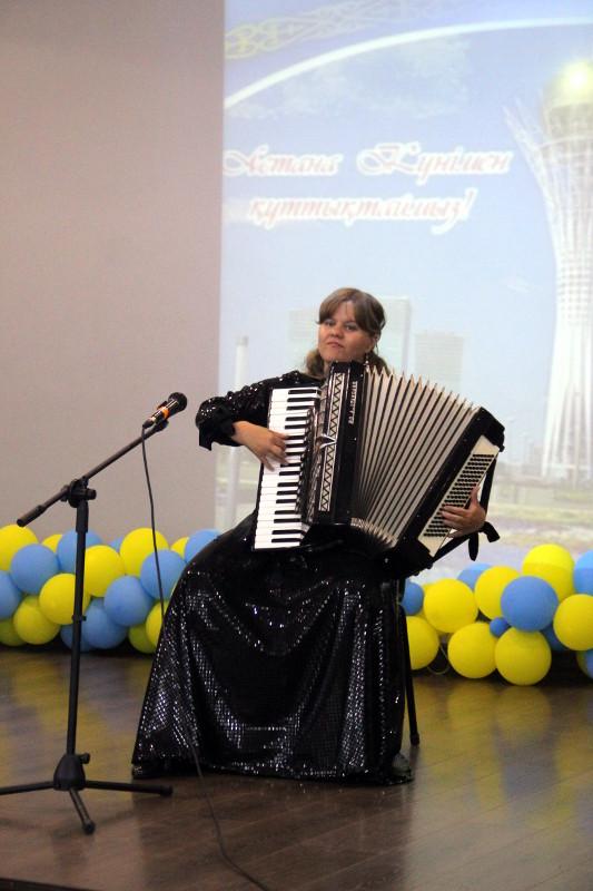 Праздничный концерт, посвященный празднику День Столицы в школе в честь прп. Сергия Радонежского