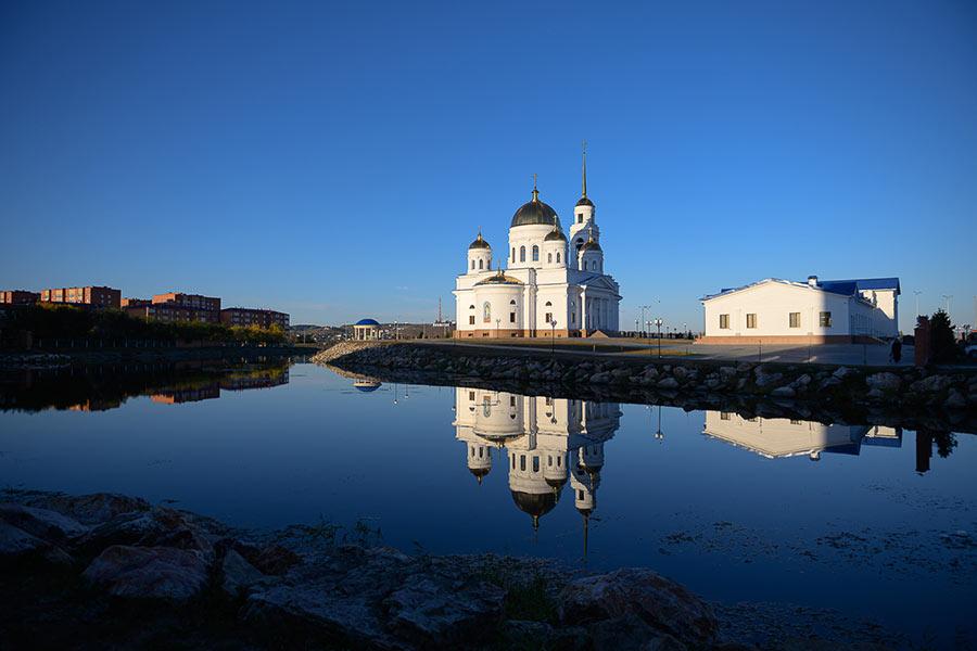 Епископ Петропавловский и Булаевский Владимир принял участие в великом освящении новопостроенного Воскресенского кафедрального собора города Кокшетау